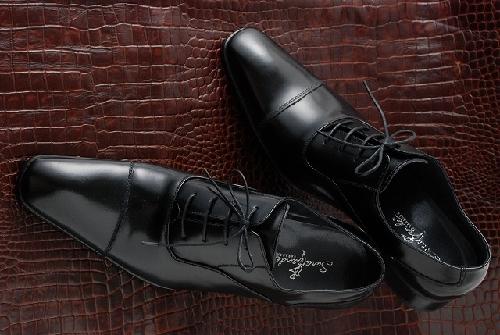 冠婚葬祭で「礼儀が分かっている人」になる靴の選び方
