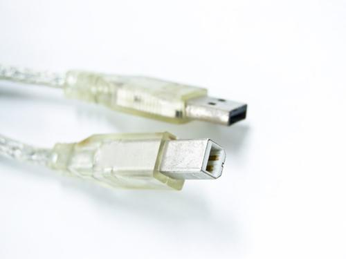 「USB3.0」って「USB2.0」と何が違うの? その見分け方は?