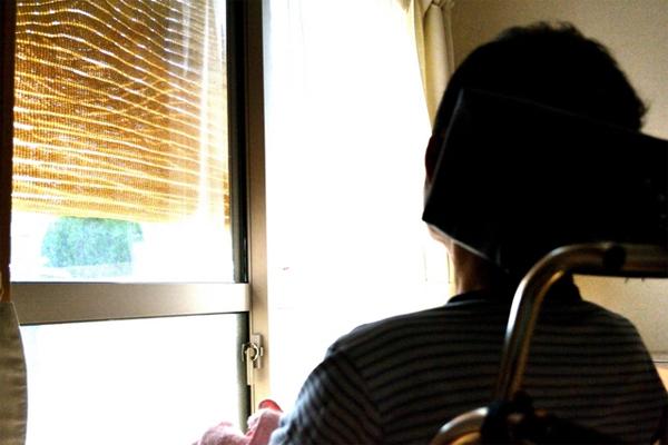 離れて暮らす家族の安否確認ができる商品やサービス4選