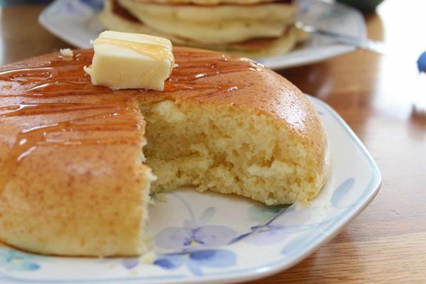 絵に描いたように分厚いホットケーキを食べてみたい!
