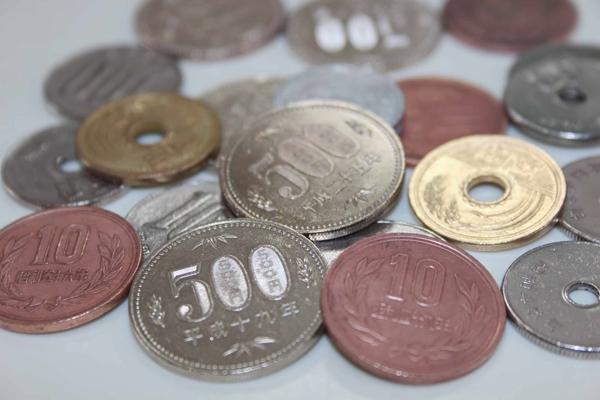 汚れた硬貨はどこまでキレイにできるか?3つの方法を試してみた