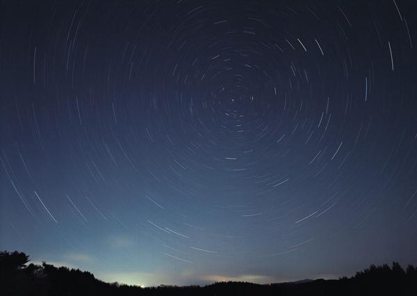 冬の夜空は星がキレイ!これから見ることができる流星群のスケジュールをチェック!