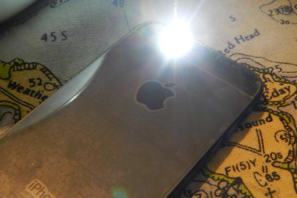 iPhoneのLEDを着信で光らせるなど、いまのそれどうやったの?って言われる3つの裏技