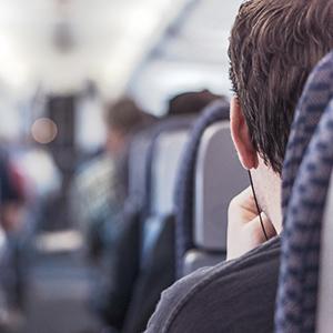 飛行機内でもスマホのカメラ利用はOK?今どきはネット利用もできる!?