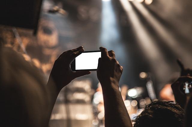 最短3ステップ!iPhoneで撮った写真や動画があっという間におしゃれなムービーに!