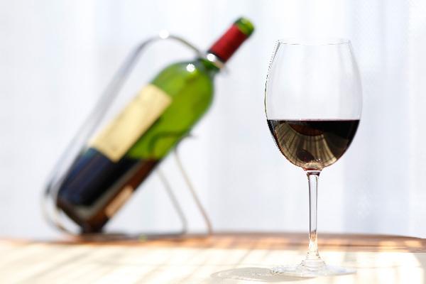ワインの口栓がスクリューキャップだと安物、は間違い!? 最近のワイン事情