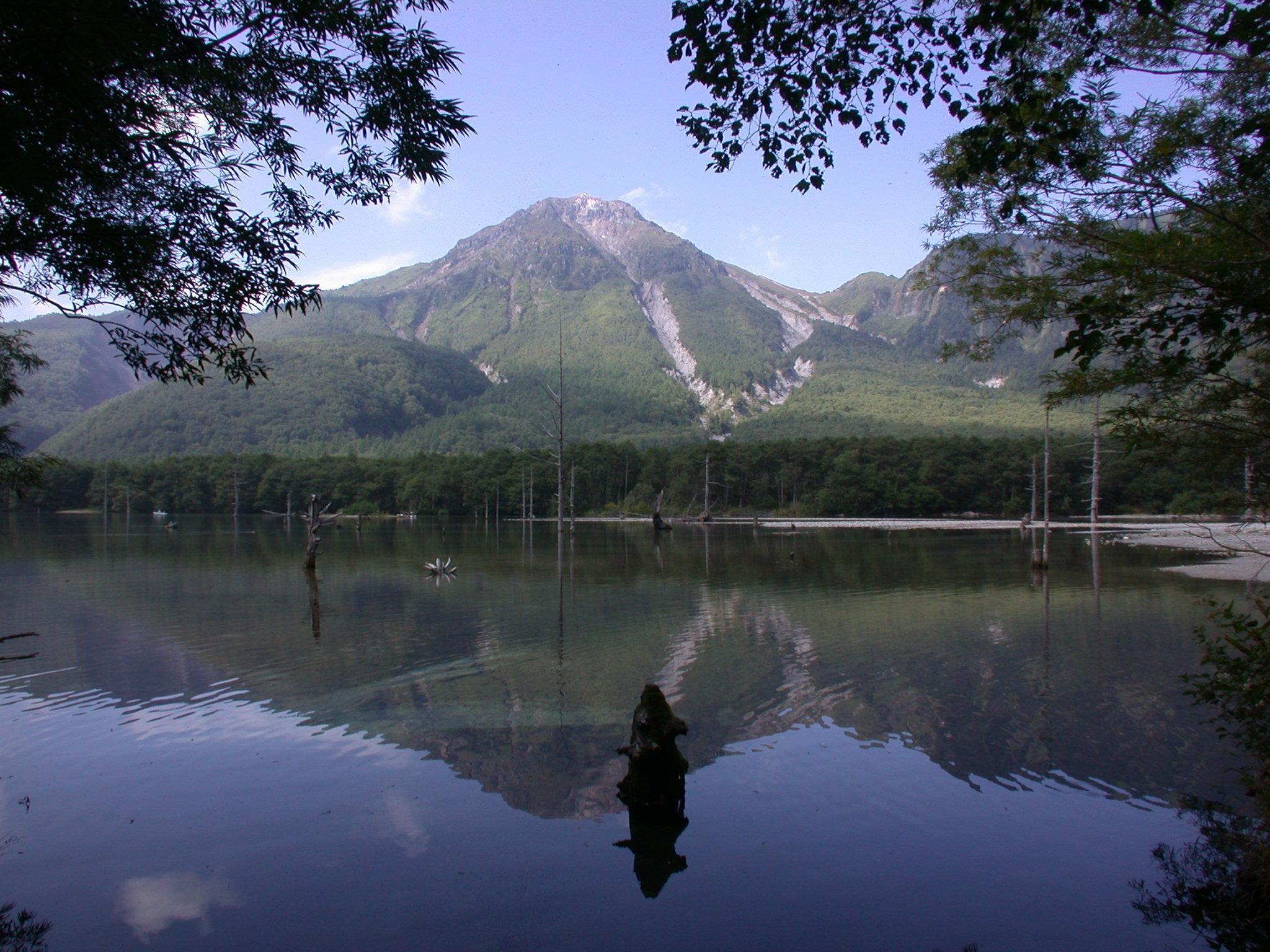 8月11日が祝日「山の日」に!最近30年の祝日事情を調べてみた