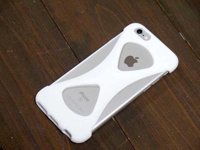 iPhoneの画面がヒビ割れる前に試したい! 落下防止アクセサリー4選