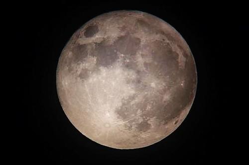 とりあえず費用は2,000円!スマホで月や土星の天体写真を撮ろう!