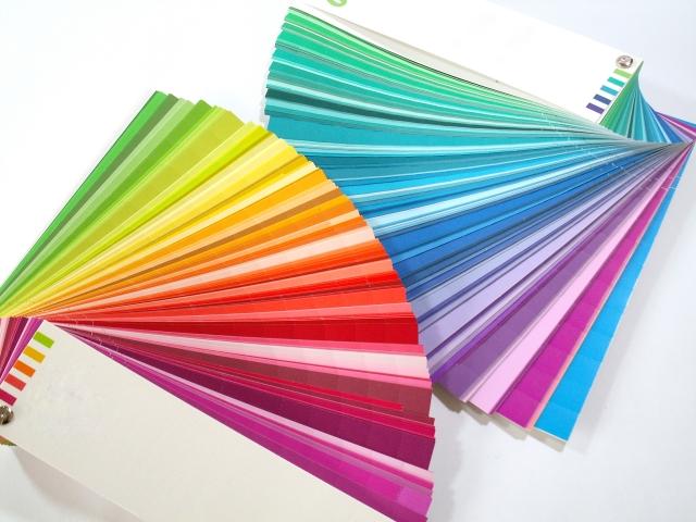 バーガンディってどんな色?ファッションでよく使われる色の名前まとめ