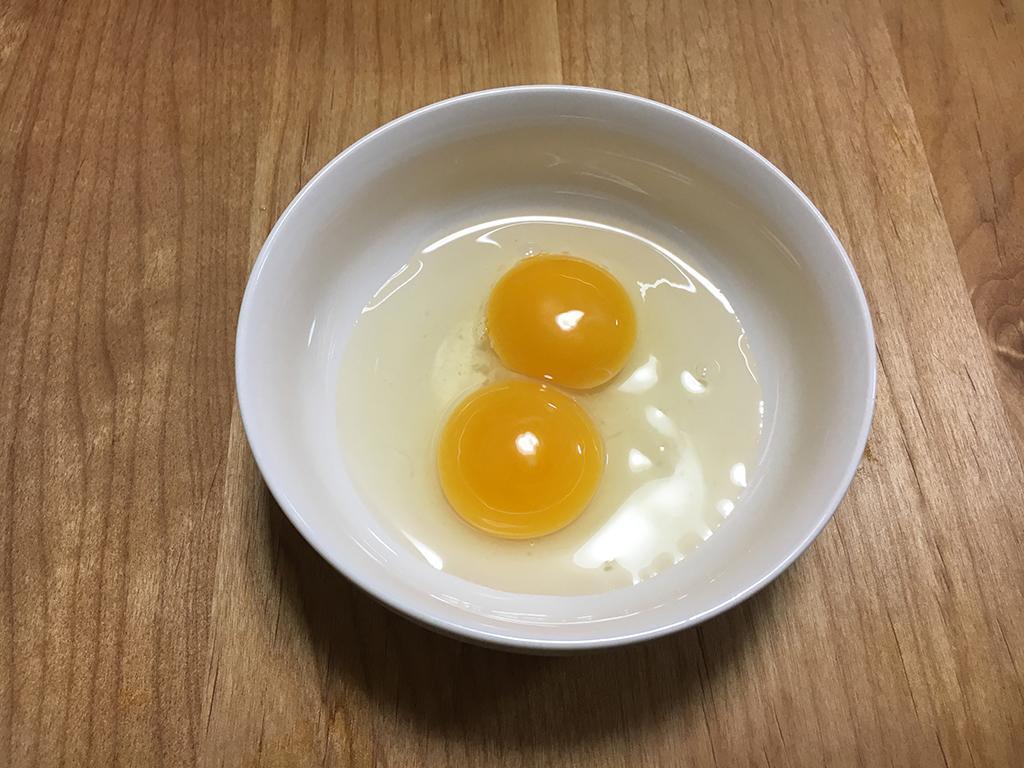割る前にわかる?双子卵の見分け方と出会うコツ