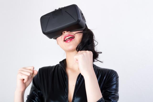 「VR」ってなに? ヘッドマウントディスプレイって?
