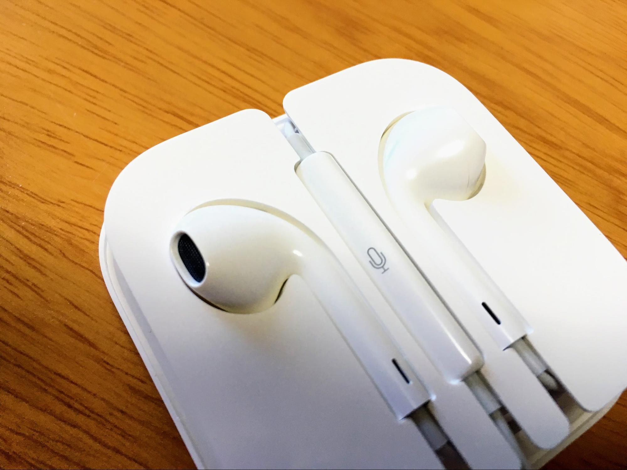 iPhoneのイヤホンはマイクがついている!
