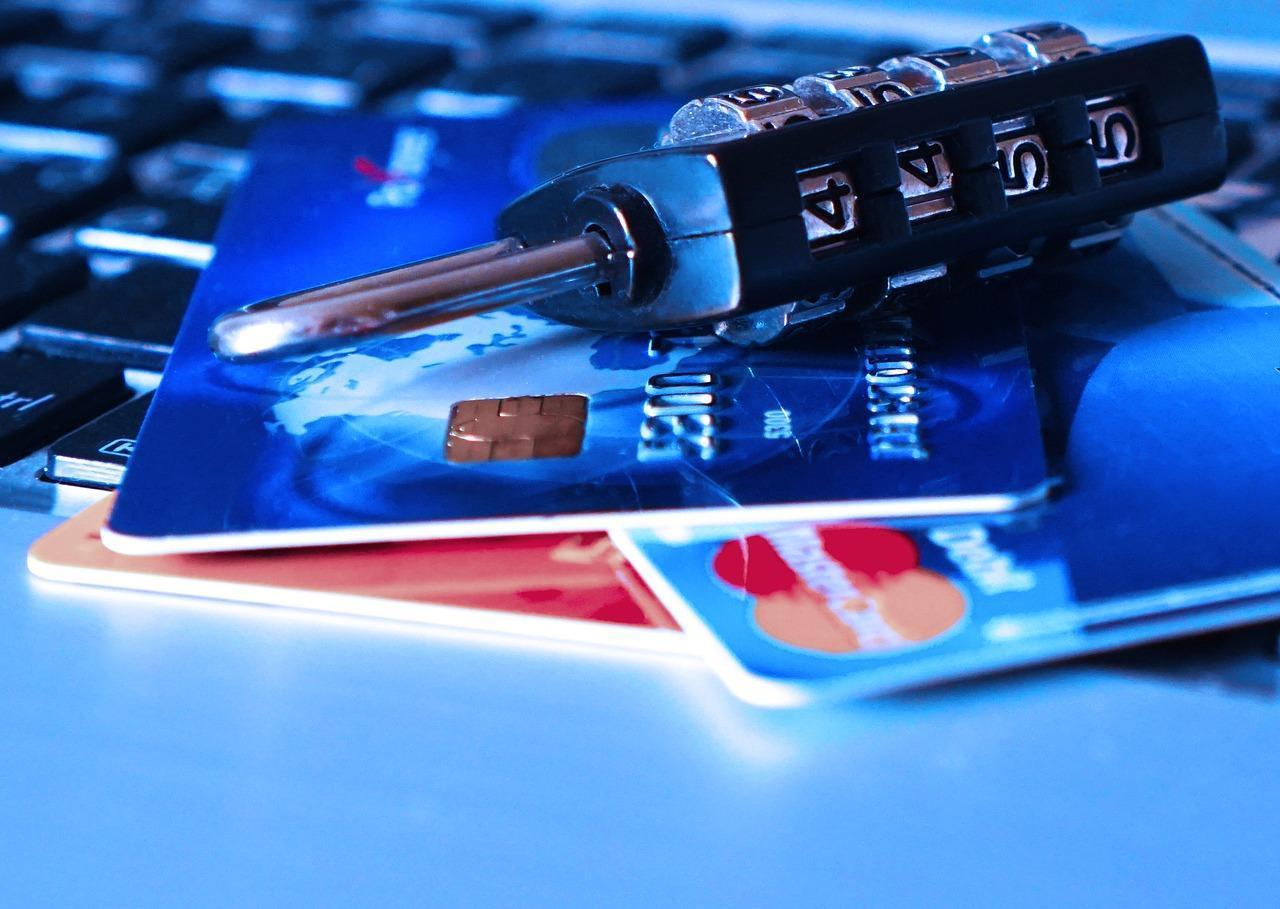 カード番号流失対策に、クレジットカード会社のバーチャルカード
