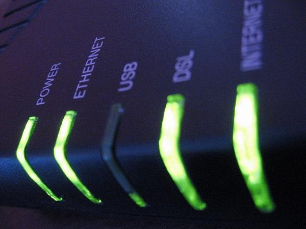 安全にネットを楽しむために知っておきたい、ブロードバンドルーターとは?