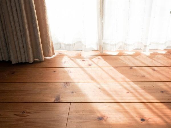 屋内でも日焼け対策!紫外線を防ぐ方法5つ