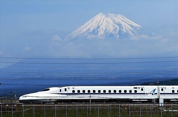 スマホで新幹線のチケットを買える「スマートEX」が便利でお得!