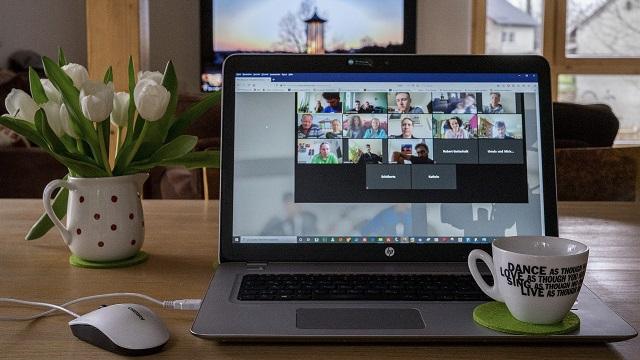 ウェブミーティング画像