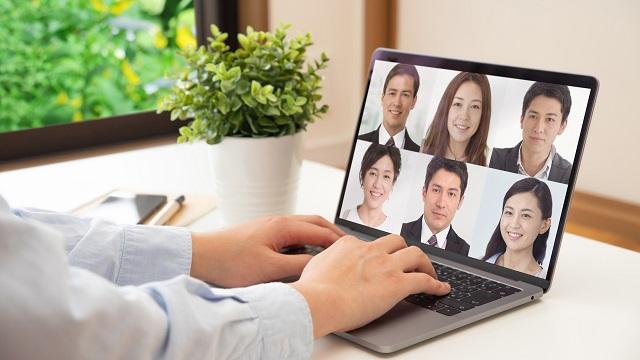 オンライン会議の前に、パソコンのカメラで写り具合をチェックしておこう!