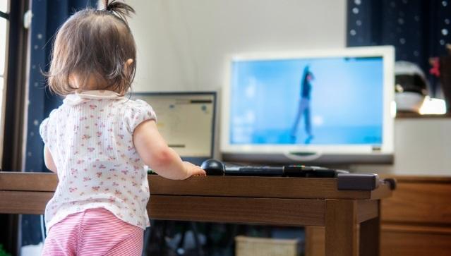 YouTubeやNetflixのネット動画をテレビで見るには?4つの方法を紹介