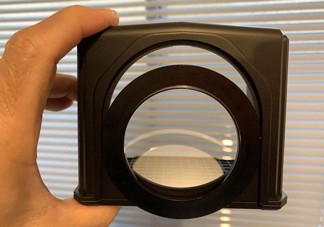 カメラ目線で原稿を読める!カメラ取り付けプロンプター