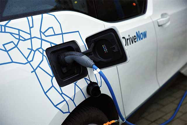 電気?バイオ燃料?ガソリンに代わる自動車の代替燃料まとめ